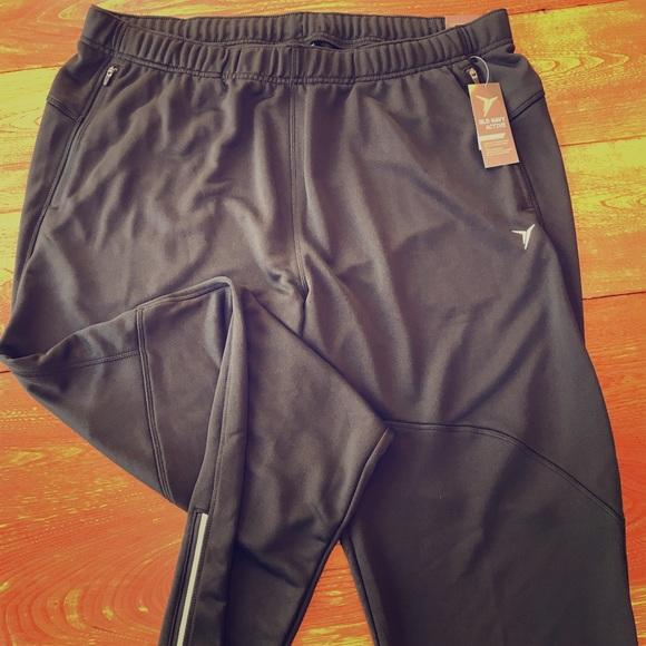 c7c34231800 Men s XL fleece pants lulu  style  by old navy NWT